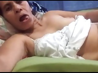 Latin mom looking at my dick got an orgasm on skype,
