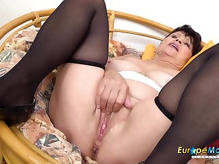EuropeMaturE Hot Solo Masturbation with Vibrator