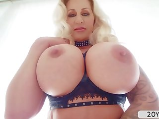 Bigtits MILF Ryan Conner interracial