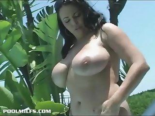 a hot mother with huge tits  BIGNATURALS69.COM