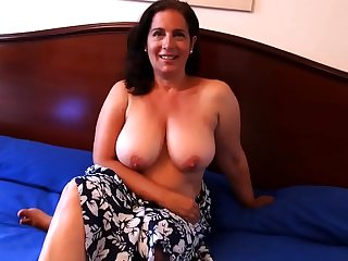 Sandra, 45, gonna fuck her son'_s best friend. She'_s always liked him!